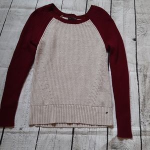3/$30--American Eagle Sweater